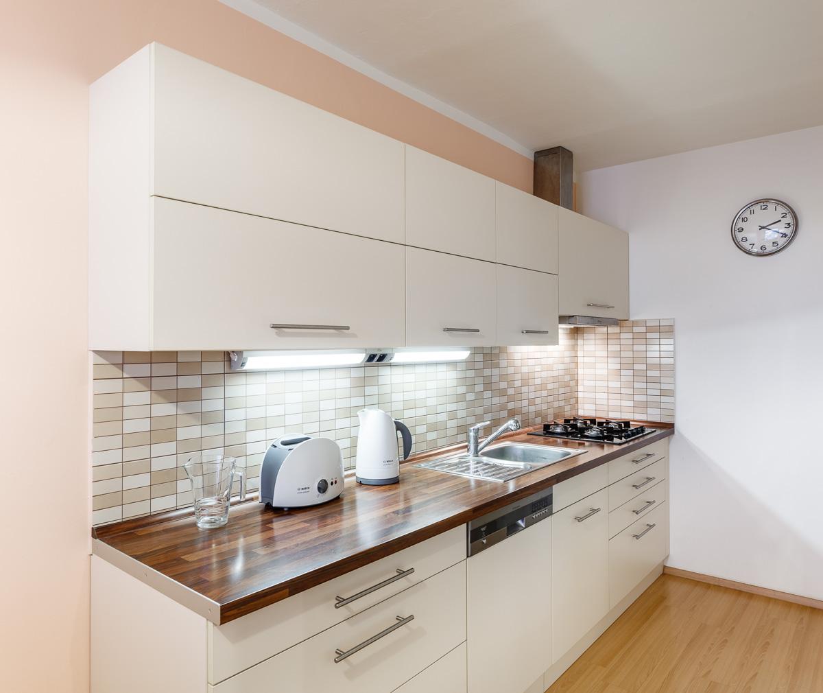 1860a5b0f473 Kuchyň na míru - Halbos nábytek